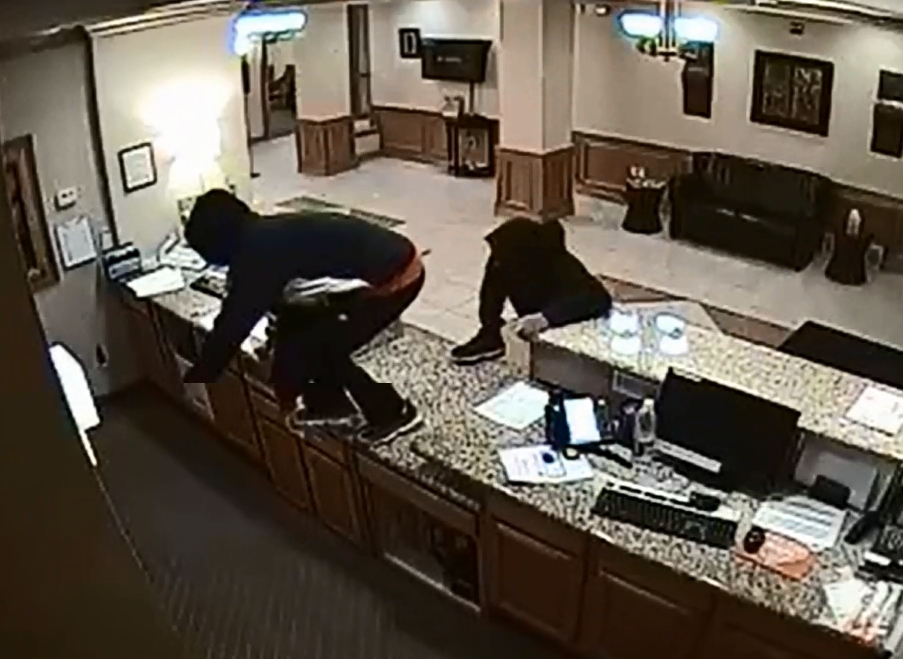 Armed Robbery – Holiday Inn Express Hotel