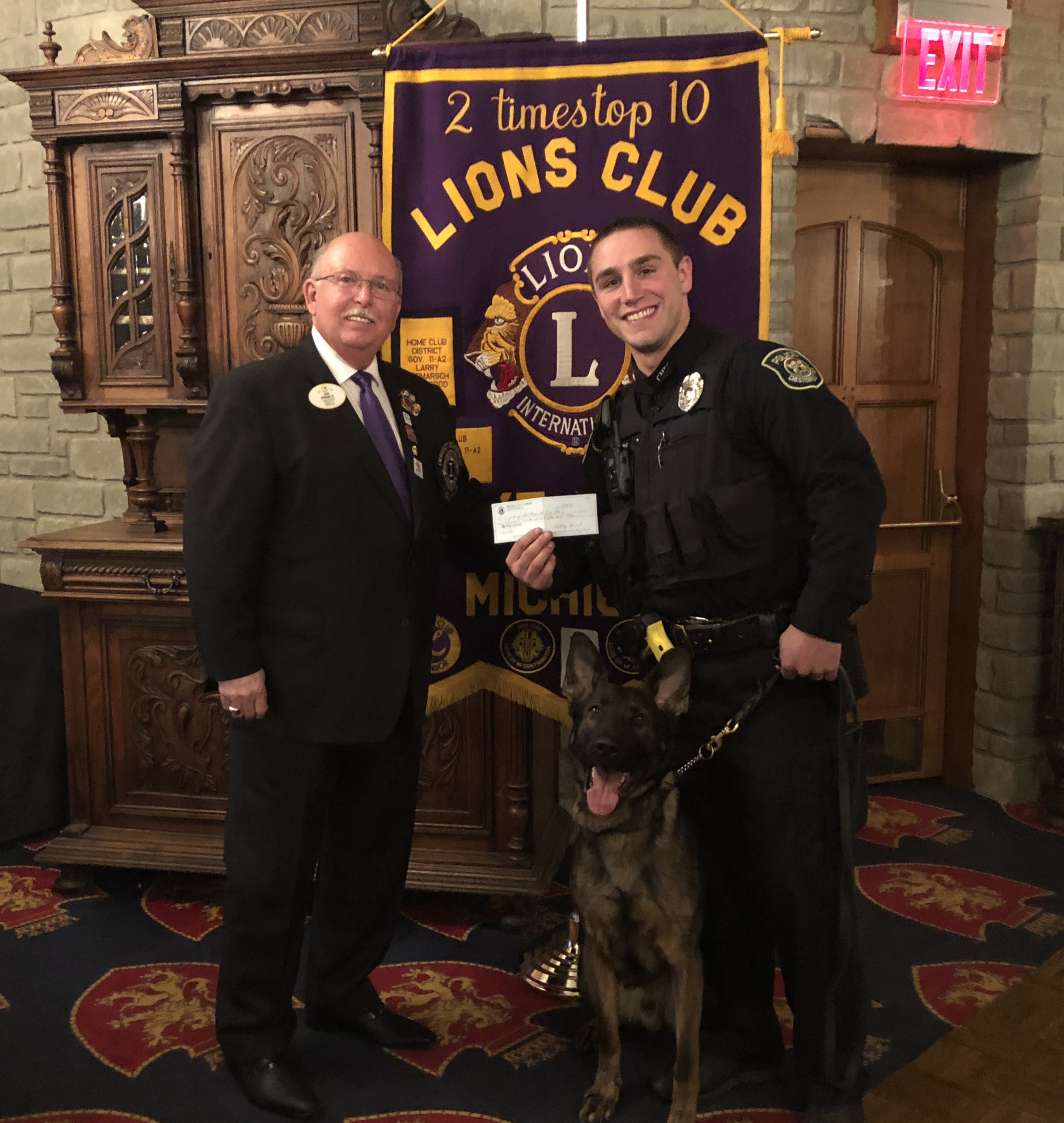K-9 Officer Receives Donation For Vest